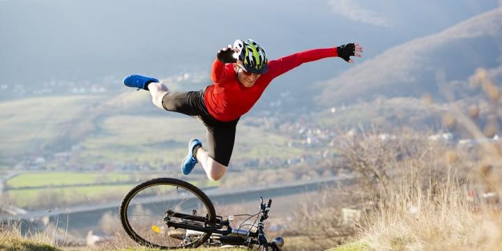 Wypadek na rowerze trekkingowym.