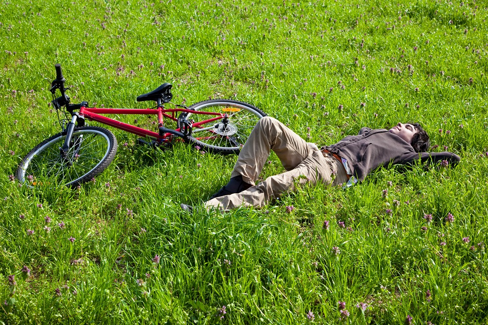 rowerzysta podczas odpoczynku